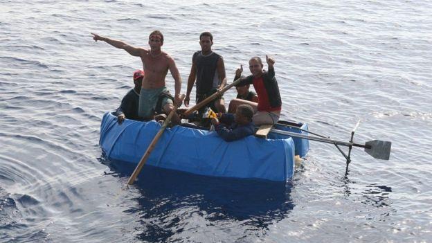 """Mỹ chấm dứt chính sách """"cây gậy và củ cà rốt"""" đối với Cuba:"""